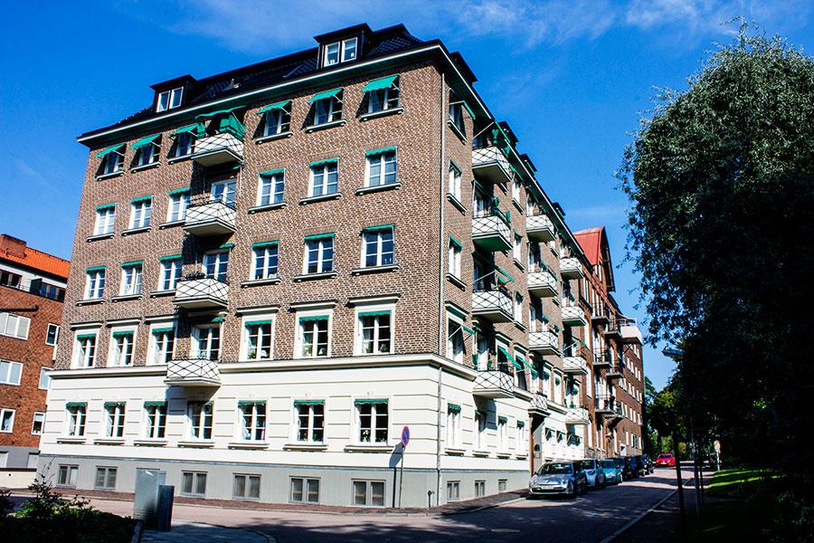 Balkongarbete i Helsingborg, sidofasaden